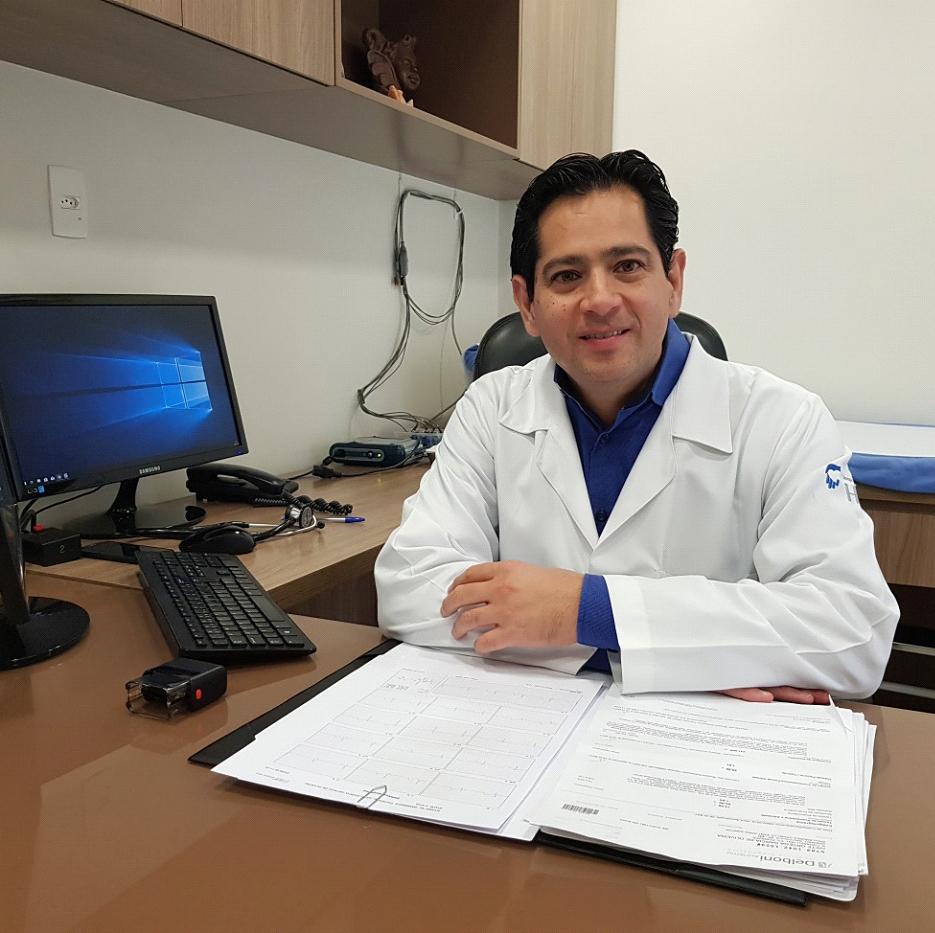 Dr. Tomas Guillermo Martin Santillana Pena